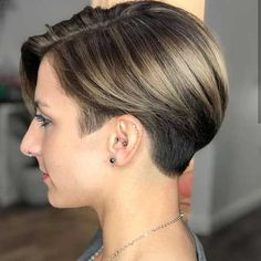 pictures of modern short hairstyles for women - Long Bob Hairstyles 2019 Modern Short Hairstyles, Very Short Haircuts, Wavy Bob Hairstyles, Trending Hairstyles, Mandy Moore Short Hair, Peinados Pin Up, Corte Y Color, Looks Chic, Short Hair Cuts For Women