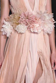 ♀ Pastel peach fashion J.Mendel Spring 2013 Details
