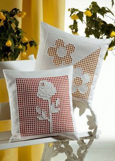 I remember these hardanger lace inserts, wish I still had some Cute Cushions, Crochet Cushions, Decorative Cushions, Diy Pillows, Throw Pillows, Cushion Embroidery, Diy Embroidery, Butterfly Cushion, Diy Crafts For Adults