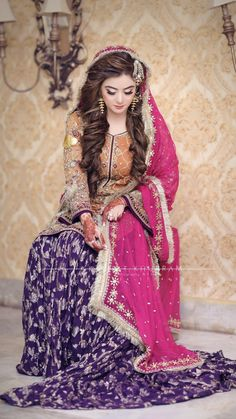 Trendy Wedding Hairstyles Pakistani Mehendi Ideas - All For Wedding Hair Style Pakistani Mehndi Dress, Bridal Mehndi Dresses, Pakistani Wedding Outfits, Bridal Dress Design, Pakistani Bridal Dresses, Pakistani Wedding Dresses, Pakistani Dress Design, Bridal Outfits, Mehendi