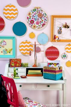 Turn embroidery hoops and fabric scraps into quick (but utterly trendy) home decor!