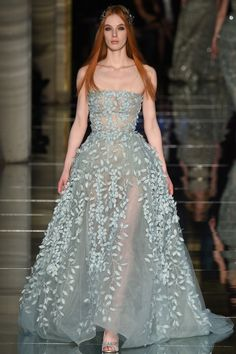 The complete Zuhair Murad Spring 2016 Couture fashion show now on Vogue Runway. Style Couture, Haute Couture Dresses, Haute Couture Fashion, Spring Couture, Couture Week, Collection Couture, Mode Outfits, Beautiful Gowns, The Dress