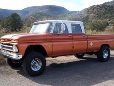 jacked up trucks chevy Jacked Up Chevy, Jacked Up Trucks, Gm Trucks, Cool Trucks, Pickup Trucks, Diesel Trucks, Chevy 4x4, Gmc 4x4, Automobile