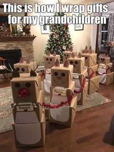 Christmas Wrapping Ideas For Kids - Christmas Christmas Gift Wrapping, Diy Christmas Gifts, Winter Christmas, All Things Christmas, Holiday Crafts, Holiday Fun, Christmas Holidays, Christmas Decorations, Christmas Ideas For Mom
