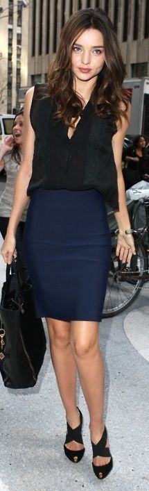 Thank you! black and blue can go together! Find navy blue skirt Miranda Kerr Outfits, Navy Pencil Skirt Outfit, Black And Navy, Navy Blue And Black Outfits, Black Blous, Navy Blue Skirt, Navy Blue Pencil Skirt Outfit, Navy Blue Black Skirt, Denim Skirts