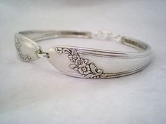 I've always been intrigued by vintage spoon jewelry. Sort of reminds me of my neighbor's spoon collection. This silver spoon bracelet is from monpetitchouboutique on Etsy. Bridesmaid Bracelet, Wedding Bracelet, Bridesmaid Gifts, Bridesmaids, Silverware Jewelry, Spoon Jewelry, Jewelry Box, Silver Bracelets, Silver Jewelry
