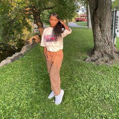 𝓢𝓴𝔂🦋 (@skytoopretty) • Instagram photos and videos Sky T, Parachute Pants, Capri Pants, Photo And Video, Videos, Photos, Instagram, Fashion, Capri Trousers