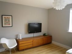 Calm new living room! Chic Shadow Bedroom, Dulux Chic Shadow Living Room, Living Room Paint, Living Room Grey, Grey Room, Gray Interior, Interior Design, Interior Paint, Living Room Color Schemes