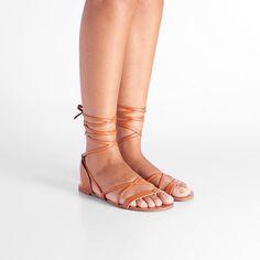 db8a9e773 138 melhores imagens de via mia ♥ | Shoes, Footwear e Capsule wardrobe
