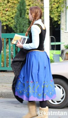 Elizabeth lail on the set - Behind the scenes 4 *9 - 9 Oct 2014