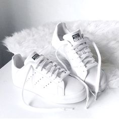 ADIDAS Women s Shoes - Adidas Women Shoes - Achat soulier blanc printemps -  We reveal the news in sneakers for spring summer 2017 - Find deals and best  ... ba99c59ef2