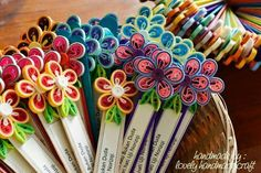 13 Paper Quilling Design Ideas That Will Stun Your Friends Paper Quilling Cards, Paper Quilling Tutorial, Paper Quilling Jewelry, Paper Quilling Patterns, Origami And Quilling, Quilled Paper Art, Quilling Dolls, Quilling Paper Craft, Quilling Flowers