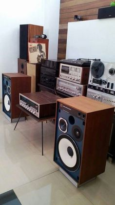 Vintage stereo.......