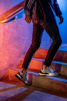The 2020 adidas Nite Jogger features reflective materials and classic colorways with the comfort of BOOST in a new silhouette. Ladies Gym Wear, Gym Wear For Women, Womens Gym, Clothes For Women, Gym Tops Women, Sports Women, Adidas Outfit, Adidas Shoes, Joggers Shoes
