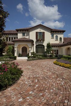 Gage-Martin Interiors Tampa | Dee Marksberry Mediterranean Style Homes, Spanish Style Homes, Spanish House, Spanish Backyard, Mansions Homes, Facade House, Dream Home Design, Villa Design, House Design