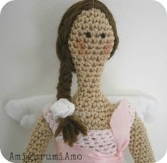 crochet tilda. no tuto but fantastic!