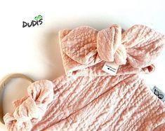 A pink butterfly-summer hand knitting top for girls Crochet Christmas Decorations, Cute Bracelets, Pink Butterfly, Pink Tops, Hand Knitting, To My Daughter, Cotton, Handmade, Girls