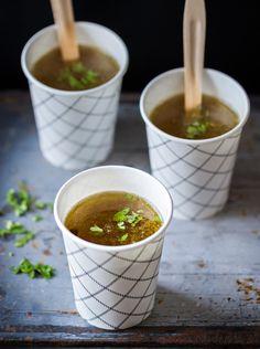 Liha-luuliemi | K-ruoka Nauti sellaisenaan tai käytä lihalientä kastikkeiden, patojen ja keittojen pohjana.