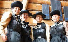 Die Juppe ist tief mit der Geschichte und Tradtion der Bregenzerwälder Frauen verwurzelt. Austria, Leather Backpack, Folk, Backpacks, German, Bags, Google, Dress, Fashion