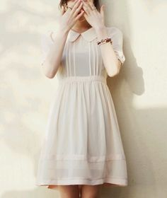 Sweet peter pan collar dress, so light and elegant Pretty Outfits, Pretty Dresses, Mode Style, Style Me, Look Fashion, Fashion Beauty, Womens Fashion, Lady Like, Mode Vintage