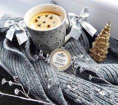 Luxusná vianočná vôňa - to je Christmas Cookie! ❄️🔥 Šušienky čerstvo vytiahnuté z trúby so zmiešaným korením a sladkou cukrovou polevou 🍪 #kouzlokoupele #prirodnakozmetika #handmade #crueltyfree #veganfriendly #vonnevosky #sojovesvicky #sviecky #kuzlokupela Coffee Maker, Kitchen Appliances, Coffee Maker Machine, Diy Kitchen Appliances, Coffee Percolator, Home Appliances, Coffee Making Machine, Coffeemaker, Kitchen Gadgets