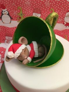 Christmas mouse in a teacup - Cake by Elaine - Ginger Cat Cakery Christmas Cake Designs, Christmas Cake Topper, Christmas Cake Decorations, Christmas Cupcakes, Christmas Sweets, Holiday Cakes, Christmas Baking, Xmas Cakes, Mouse Cake