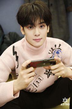 ◈ Cha Eunwoo Mini-Album Behind The Scenes Activities Park Jin Woo, Cha Eunwoo Astro, Lee Dong Min, Lee Soo, Cute Korean Boys, Sanha, Kdrama Actors, Perfect Man, True Beauty