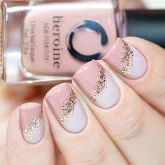 Semi-permanent varnish, false nails, patches: which manicure to choose? - My Nails Beautiful Nail Polish, Gorgeous Nails, Pretty Nails, Fake Gel Nails, Semi Permanente, Couture Nails, Minx Nails, Neutral Nails, Cool Nail Designs
