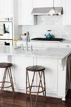 white kitchen, nice corbels