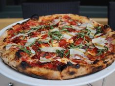 There has never been a better time to take a trip to San Francisco with food allergies. Eat your way the foodie capital of the West Coast with our complete allergy-friendly guide to the Bay Area. Places In San Francisco, San Francisco Food, San Francisco Restaurants, San Francisco Travel, Sf Restaurants, Food Places, Places To Eat, Dinner Places, Fire Cooking
