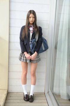 school girl look. School Girl Japan, Japanese School Uniform Girl, School Girl Outfit, Japan Girl, Girl Outfits, Pretty Asian Girl, Beautiful Japanese Girl, Cute Asian Girls, Beautiful Asian Women