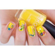 23 Great Yellow Nail Art Designs 2019 - Sunny Yellow Nails - Best Nail World Nail Art Designs, Flower Nail Designs, Nail Designs Spring, Acrylic Nail Designs, Acrylic Nails, Yellow Nails Design, Yellow Nail Art, Floral Nail Art, Yellow Toe Nails