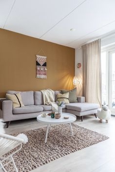 Living Room Makeover - Interior Decor and Designing Room Wall Colors, Living Room Colors, Living Room Paint, My Living Room, Home And Living, Living Room Decor Yellow Walls, Interior Design Living Room, Living Room Designs, Living Room Inspiration