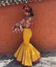 spanish style guitar lesson Source by JanaMoonGoddess Outfits Fashion Mexican Outfit, Mexican Dresses, Spanish Dress, Spanish Style, Quinceanera Dresses, Prom Dresses, Summer Dresses, Flamenco Costume, Havana Nights