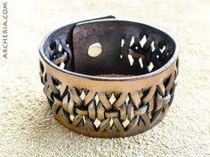 Geflochtenes braunes Leder Armband handgemacht von ARCHERIA auf Etsy