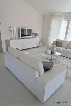 Coconut White: Olohuoneen uusi sohvapöytä by Riviera Maison