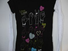 Mudd brand girls JUNIORS size small (hand signing for the word love)