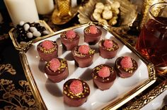 Chocolate raspberry popping candy