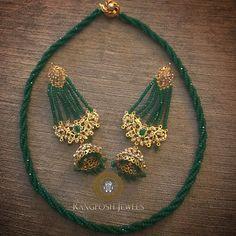 Bridal earrings emerald blue sapphire Ideas for 2019 Indian Jewelry Earrings, Indian Jewelry Sets, Fancy Jewellery, Jewelry Design Earrings, Gold Earrings Designs, Indian Wedding Jewelry, India Jewelry, Gold Jewellery Design, Bead Jewellery