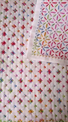 Flower Show Quilts: Stunning Appliqu on a Patchwork Canvas - Embroidery Design Guide Hand Embroidery Videos, Embroidery On Clothes, Embroidery Techniques, Embroidery On Kurtis, Hand Embroidery Stitches, Sewing Techniques, Creative Embroidery, Simple Embroidery, Japanese Embroidery
