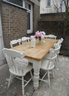 Beautiful shabby chic pine table and 8 chairs Farrow & ball Shabby Chic Mode, Shabby Chic Style, Shabby Chic Decor, Comedor Shabby Chic, Muebles Shabby Chic, Shabby Chic Kitchen Chairs, Shabby Chic Farmhouse, Painted Farmhouse Table, Farmhouse Style
