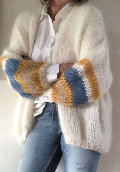 Fashion Tips Hijab Unique handmade cardigan! - crochet&knit inspo Tips Hijab Unique handmade cardigan! Knit Fashion, Fashion Outfits, Fashion Tips, Classy Fashion, Grunge Fashion, 80s Fashion, Fashion Details, Raglan Pullover, Mohair Sweater