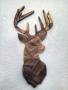 Deer head made from reclaimed wooden pallets deer hunting wall decor man cave gi. Deer head made from reclaimed wooden pallets deer hunting wall decor man cave gift Woodworking Projects Diy, Woodworking Jigs, Diy Projects, Project Ideas, Popular Woodworking, Woodworking Furniture, Woodworking Patterns, Woodworking Beginner, Woodworking Quotes