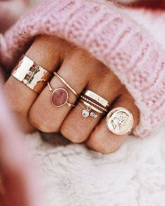 morganite engagement ring set Curved U diamond wedding band ring rose gold HALO promise ring cushion VS morganite ring - Fine Jewelry Ideas Cute Jewelry, Gold Jewelry, Jewelry Rings, Jewelry Accessories, Fashion Accessories, Fashion Jewelry, Gold Bracelets, Jewelry Ideas, Jewellery Box