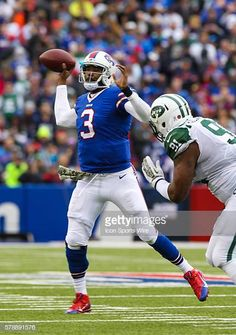 Buffalo Bills quarterback EJ Manuel during a NFL game between the New York  Jets and the 23014b72d