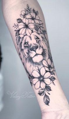 70 Tatuagens de leão Femininas e Masculinas | TopTatuagens Tattoo Femeninos, Forarm Tattoos, Leo Tattoos, Future Tattoos, Black Tattoos, Body Art Tattoos, Girl Tattoos, Hand Tattoos For Girls, Tattoos For Dog Lovers