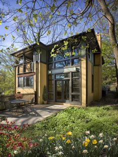 Historic paint colors on a modern home | modern | architecture | modern home | living