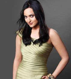 Sonakshi Sinha is shockingly going to impress you with how body.  #Sonakshisinha #bollywoodoops #actress