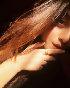 Selfies gain popularity very fast and in Internet there are various best selfie poses for girls ava Stylish Girl Images, Stylish Girl Pic, Girly Images, Girly Pictures, Disney Pictures, Portrait Photography Poses, Photography Poses Women, Best Photo Poses, Girl Photo Poses