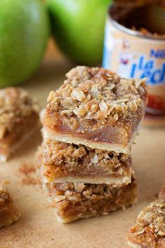 These dulce de leche apple pie bars are packed full of sweet and tart apples, dulce de leche and topped with a brown sugar oatmeal crumble. They taste just like apple pie only with a twist!